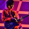綾野剛、ギターの腕前がプロ級でカッコいい。ライブも開催しデビューも