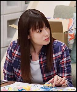 隣の家族は青く見える、深田恭子、第3話、ドラマ衣装、シャツ、デニム