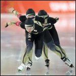 【パシュート・スピードスケート】選手が巻く、腰ひもは何のため?