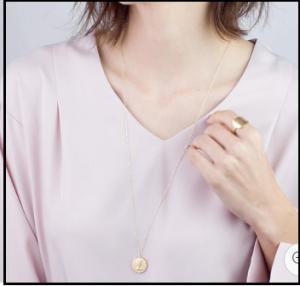 【2019】ロングネックレスのトレンド流行りは、コインネックレス。