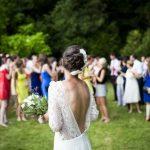 【2019結婚式】20代服装・ドレス・ワンピースのトレンドはペールトーン【厳選】