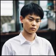 菅田将暉、短髪、黒髪、可愛い、あどけない少年、画像